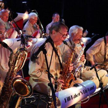 Bill Baker's Big Band speelt de muziek van Glenn Miller